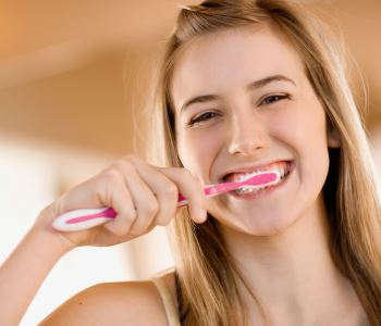 "Patients ask, ""Should I brush my teeth after oil pulling"""